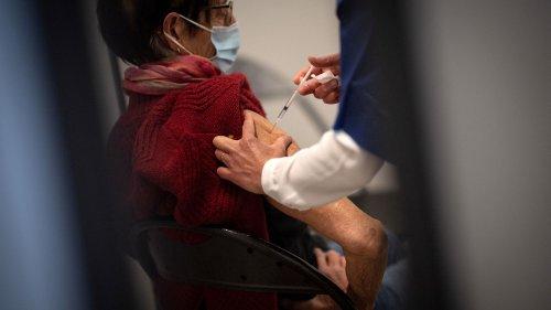 Vaccins contre le Covid-19 : pourquoi vous n'en avez peut-être pas fini avec les injections