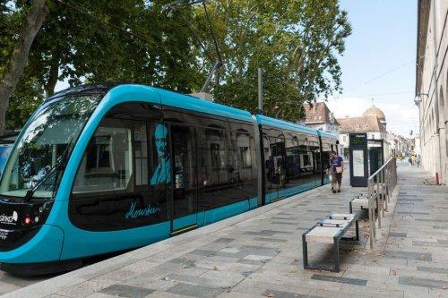Besançon : la circulation du tramway à l'arrêt après un accident causé par un engin de chantier