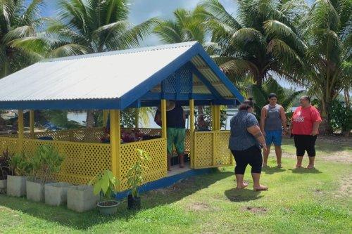 Tombes sur le terrain familial : la tradition perdure - Polynésie la 1ère