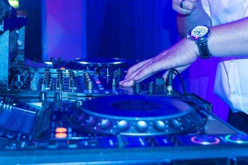 Lille : l'ARS demande un dépistage aux clients de la discothèque The Room, après la découverte de 78 cas de covid
