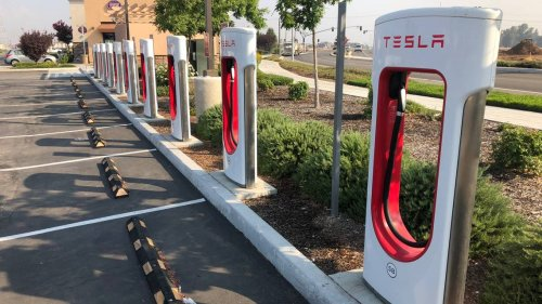 Tesla has new plan in Fresno County at Harris Ranch. It'd be world's largest e-station