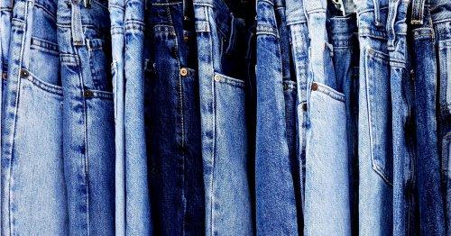 Anstatt waschen: 3 einfache Pflegetipps für Jeans | freundin.de