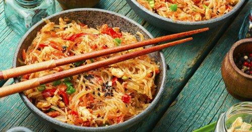Rezept: Schnelles Thai-Curry mit Reisnudeln | freundin.de