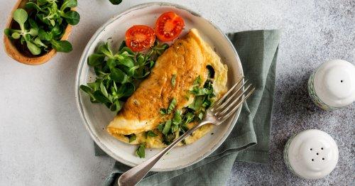 Frühstücks-Rezept: Gesunder Omelett-Salat | freundin.de