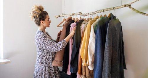 Mit diesen Tipps verdienen Sie mit alter Kleidung mehr Geld | freundin.de