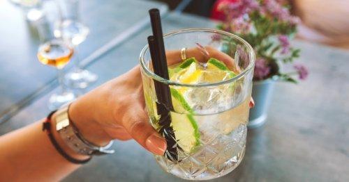 Das neue Trendgetränk für den Sommer heißt Wein-Tonic!   freundin.de