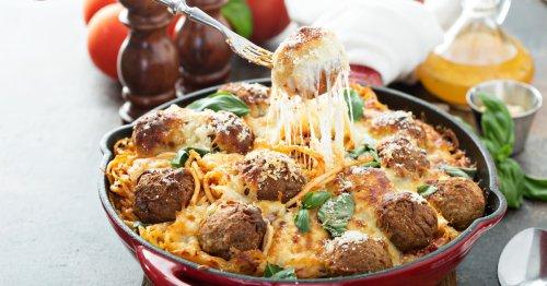 Rezept: Spaghetti-Auflauf mit Fleischbällchen | freundin.de