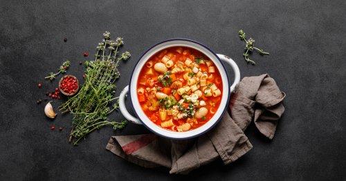 Italienisches Rezept: Pasta e Fagioli ist die Suppe, die Sie im Herbst brauchen | freundin.de