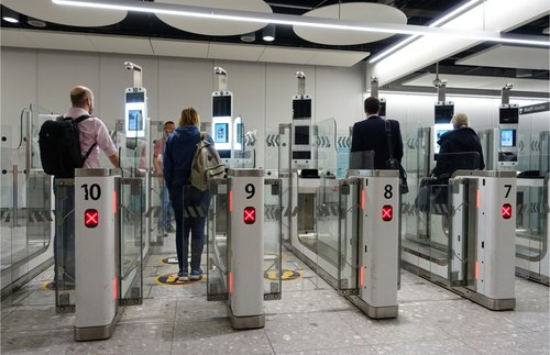 Airport Express Lanes for Vaccinated Travelers Are Coming   Frommer's