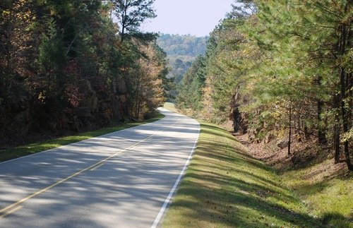 Road Trip from Nashville on the Natchez Trace Parkway: Americana, History, and a Whole Lot of Music | Frommer's