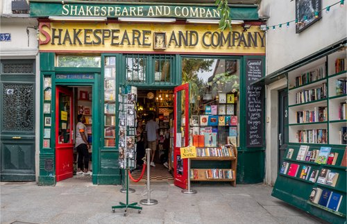 Iconic Shakespeare & Co. Bookstore in Paris Fights for Survival | Frommer's