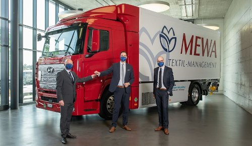 Hyundai Delivers First Hydrogen Fuel Cell Powered Truck To Germany Textile Company