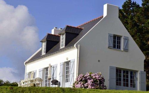 Une peinture pour façade qui isole la maison du froid et du chaud