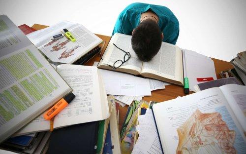 Enquête : quand le doctorat met la santé mentale à rude épreuve