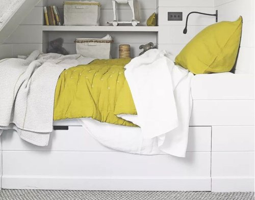 Small bedroom storage and space-saving ideas to clear that bedroom clutter