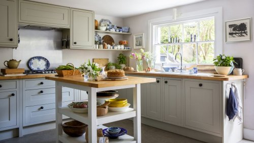 Small cottage kitchen ideas and design inspiration for rural homes