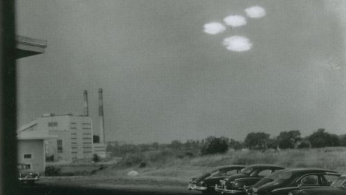 'No evidence' UFOs are alien spacecraft, but they're not American, Pentagon says