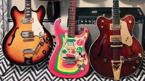 Meet the Beatles Guitars