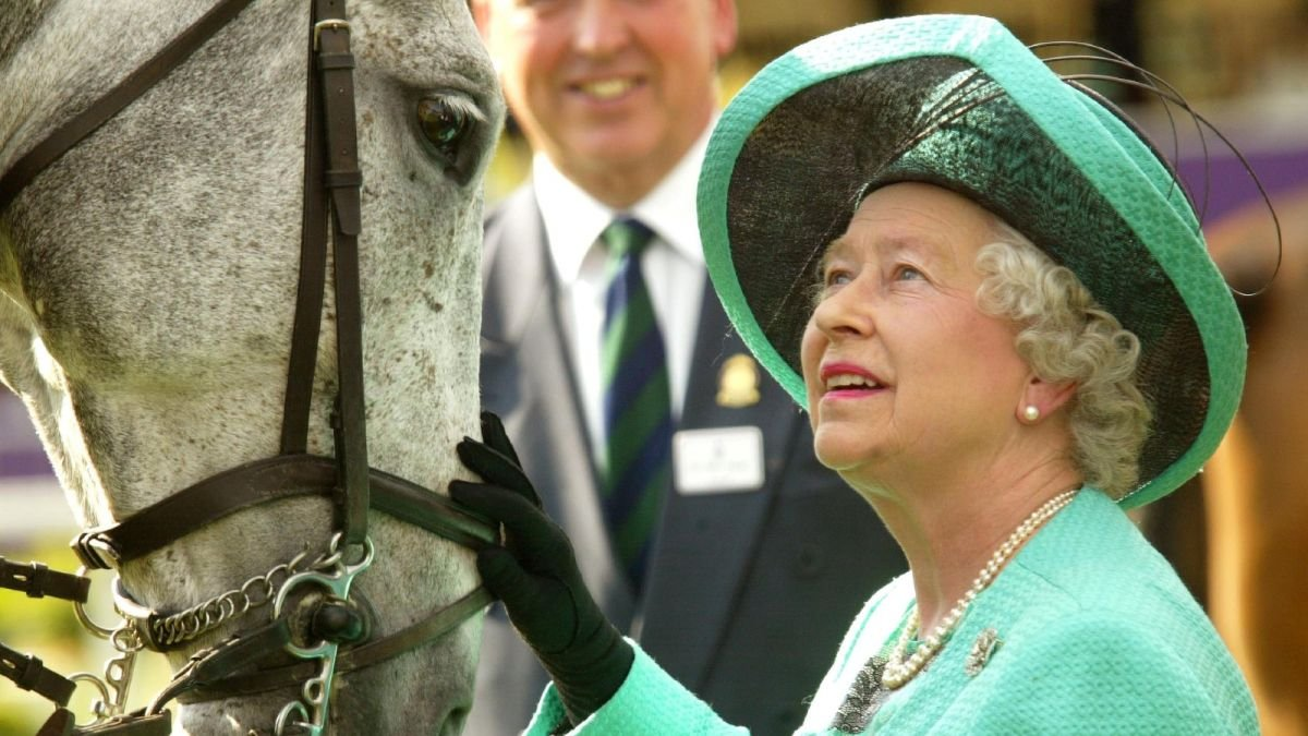 Why is the Queen not at Ascot? The potential reason Her Majesty could skip the event this year