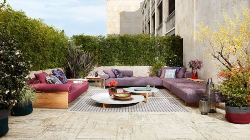 14 vibrant ways to brighten up your outdoor space