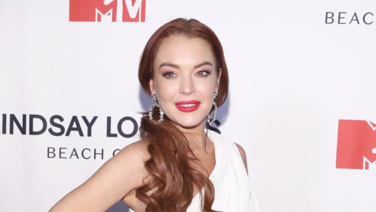 Lindsay Lohan is finally making her acting comeback—and it's a Netflix rom-com