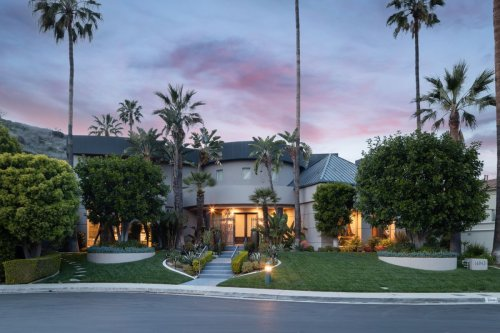 Step inside this glamorous resort-like home, once owned by Shaquille O'Neal