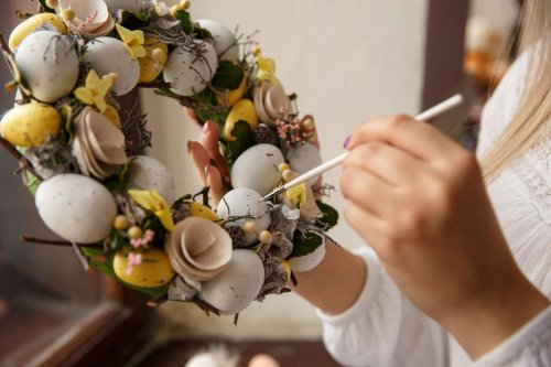 How to make an Easter wreath