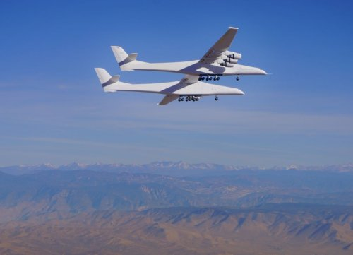 Stratolaunch flies world's largest airplane on 2nd test flight