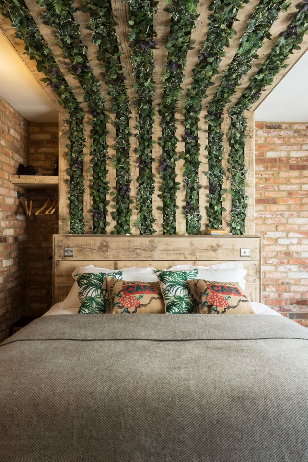 TECH-SAVVY TRAVELLERS WILL LOVE THIS BRIGHTON BOLTHOLE