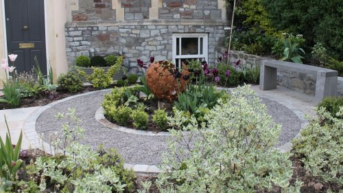 13 welcoming ways with landscaping and plants