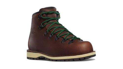 Danner Mountain Pass hiking boots review: a beautiful boot for lightweight comfort underfoot