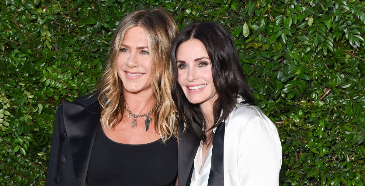 Courteney Cox spills deets on the Friends reunion and the show's iconic opening credits