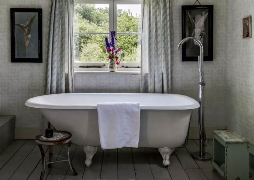 Country bathroom ideas with a gorgeous rustic look