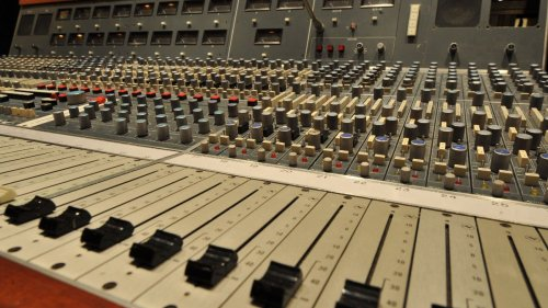 Why your mix sounds amateur - and how to make it sound pro