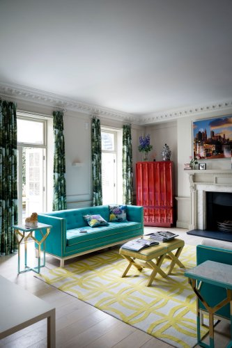 Step inside this joyous Georgian London townhouse with more than a little Palm Springs style
