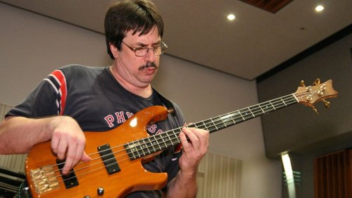"""Jeff Berlin: """"If you add academic music to your day, there will be almost no music or style anywhere that you can't figure out on your own"""""""