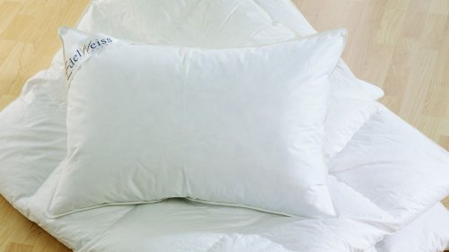 Cuddledown Edelweiss Hungarian Goose Down pillow review—a luxury pillow with supportive bounce