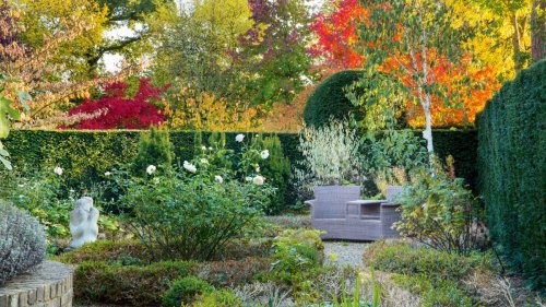 This backyard is 12 English gardens in one – discover the fascinating story