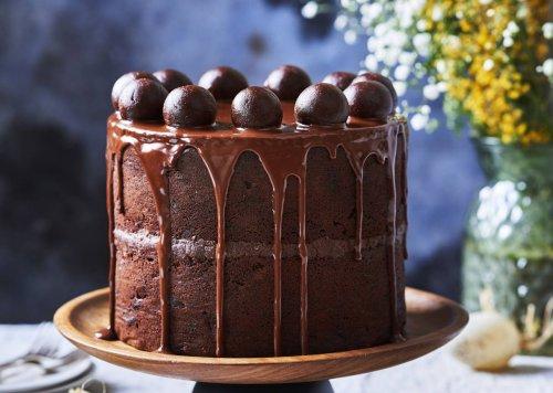 Chocolate and cherrysimnelcake
