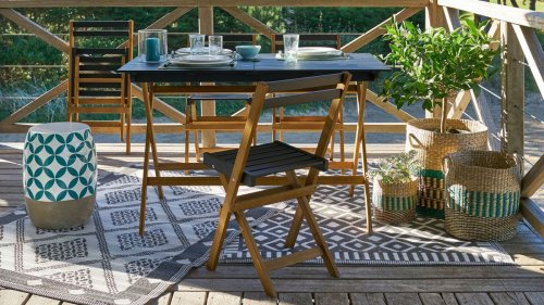 This La Redoute garden furniture set is perfect for a small patio