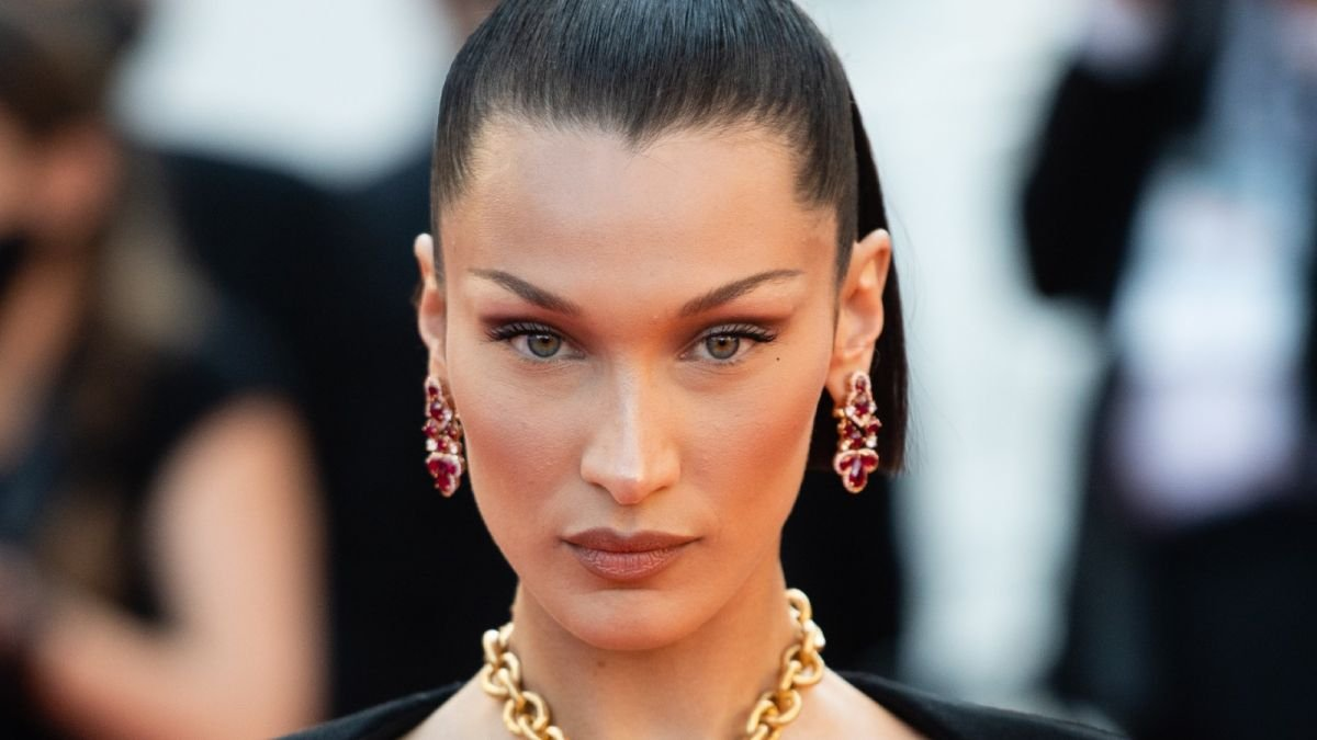 This is how you create Bella Hadid's iconic bun