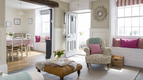 Cottage hallway ideas and style inspiration to create a welcoming space