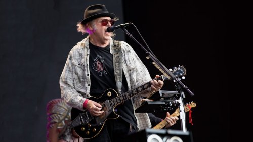 5 songs guitarists need to hear by… Neil Young