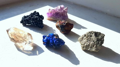 How cleansing crystals maximizes their healing vibes