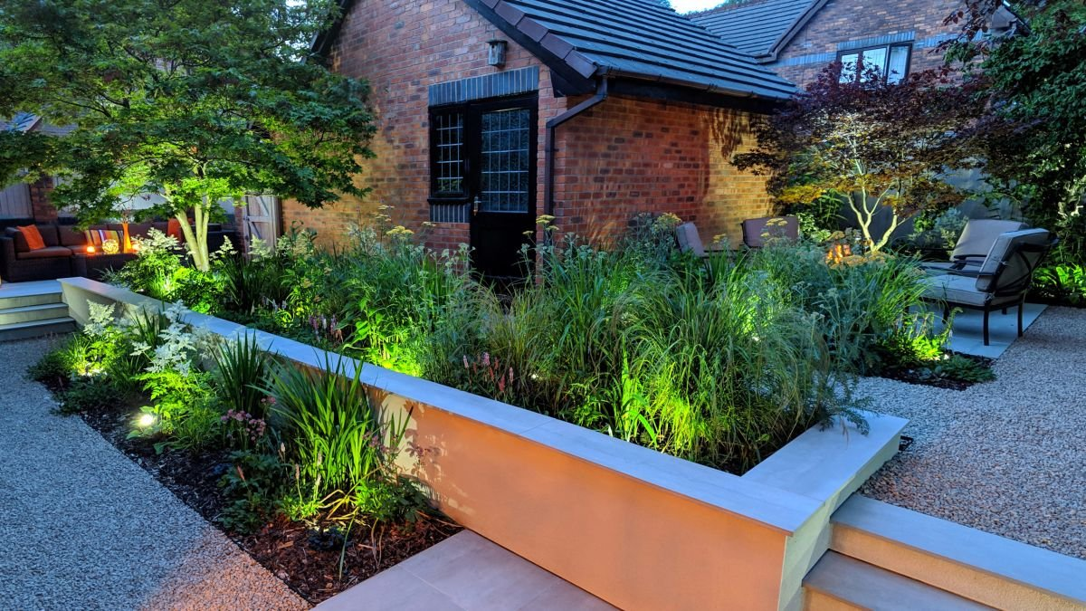 Garden makeover: this redesigned garden is perfect for evening entertaining