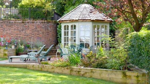 12 beautiful designs for relaxing garden rooms