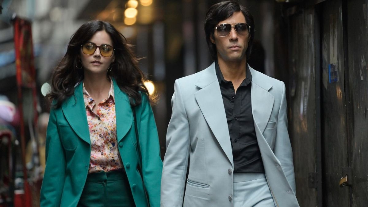 The Serpent fashion—here's how to recreate those '70s inspired looks