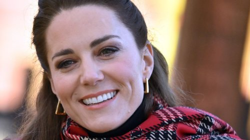 These $22 chunky gold hoops have the Kate Middleton royal seal of approval
