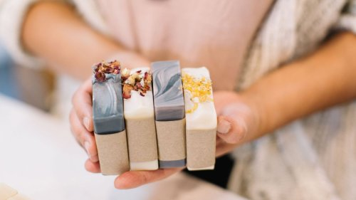 Here's how to make your own homemade shampoo bars