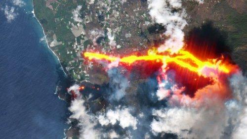 Satellites capture reinvigorated La Palma volcanic eruption